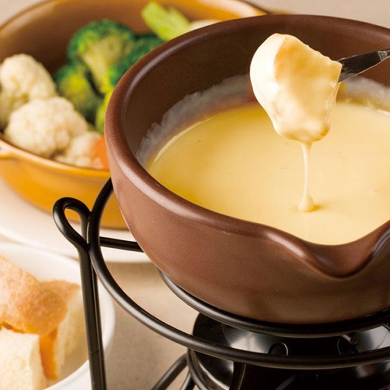 【忘年会】年末はこれで決まり♪本格チーズフォンデュに世界のチーズレシピの数々。お飲み物はアラカルトで。世界各国のワインは常時50種類以上ご用意してます!!3500円[税抜]