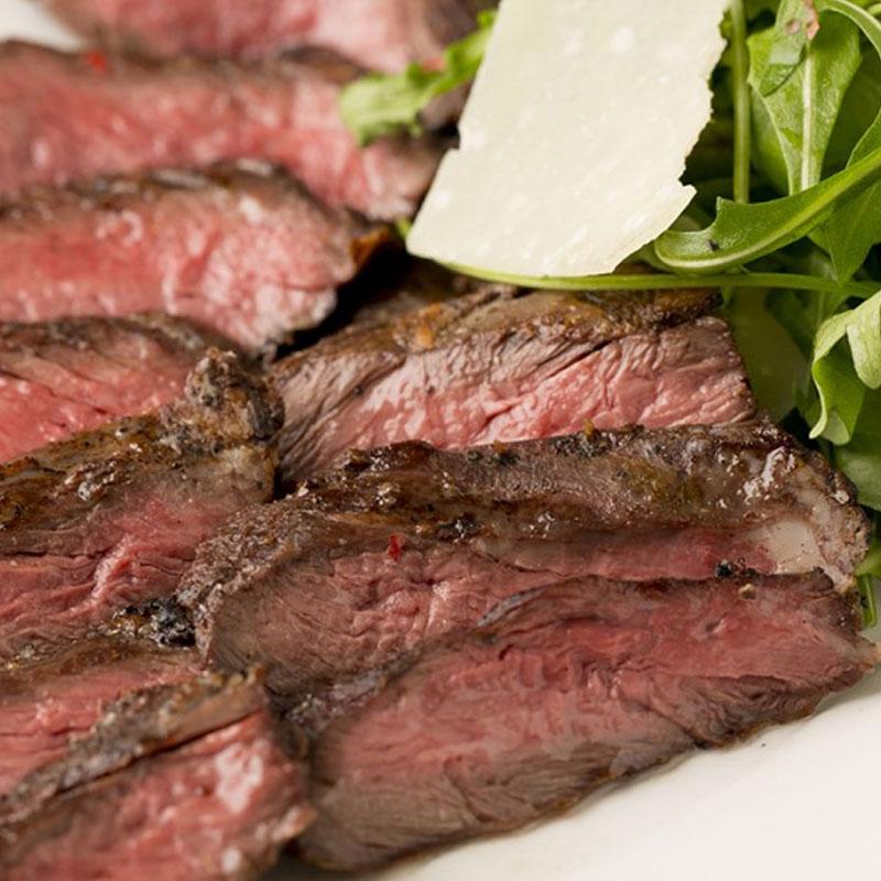 牛ハラミステーキとルッコラのタリアータ ¥1,800(税抜)