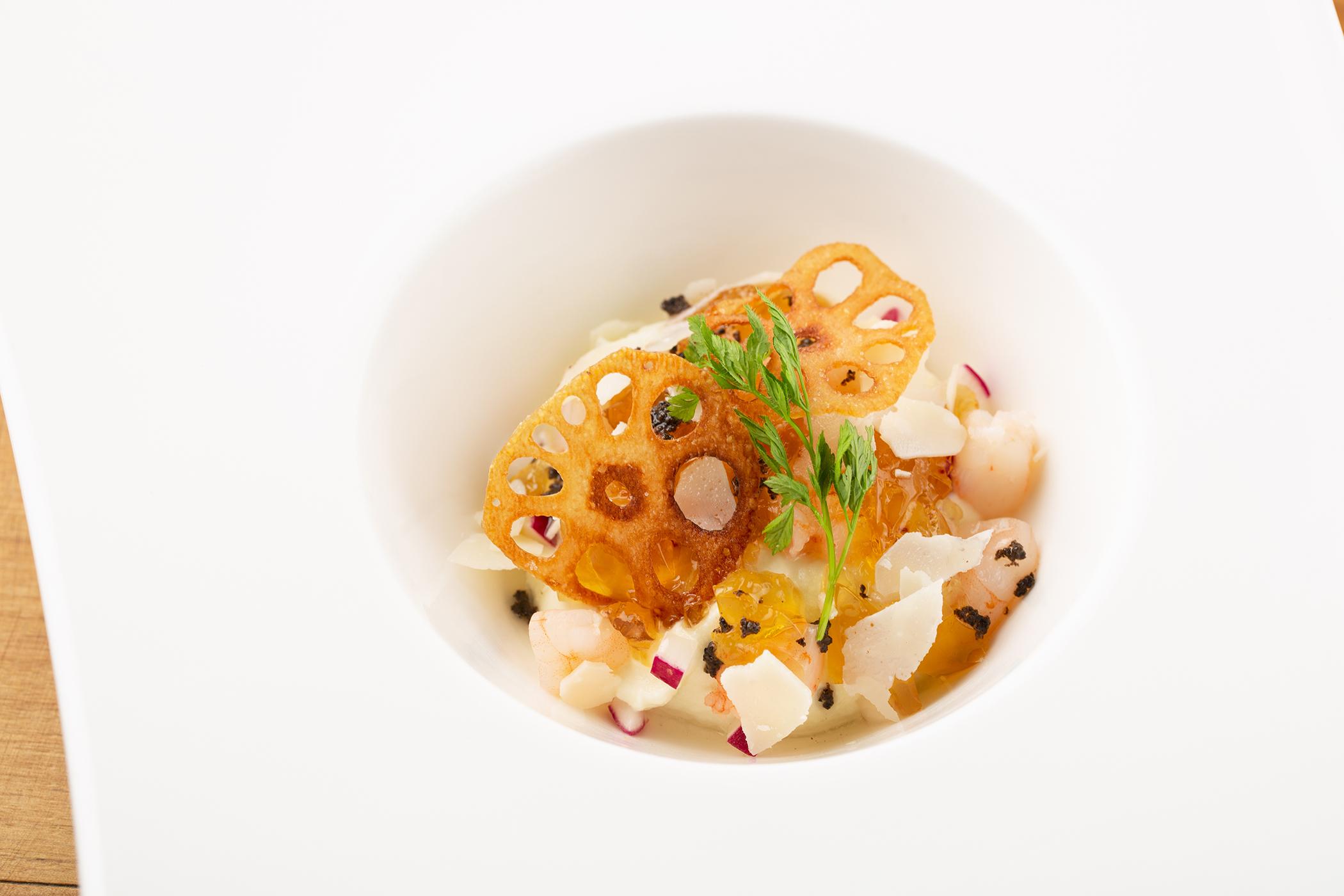 【冬季限定】パルミジャーノ レッジャーノ24ヶ月熟成とカリフラワーのムース トリュフの香り 780円(税抜)