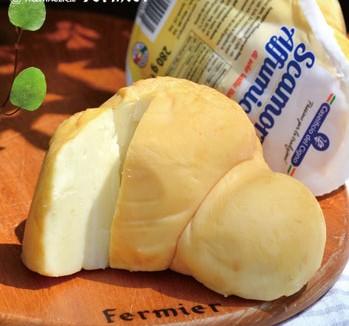 ■Scamorza Affumicata[スカモルツァ・アッフミカータ]イタリア/スモーク/牛