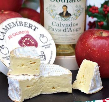■Camembert aux Calvados[カマンベール・ド・カルヴァドス]フランス/白カビ/牛